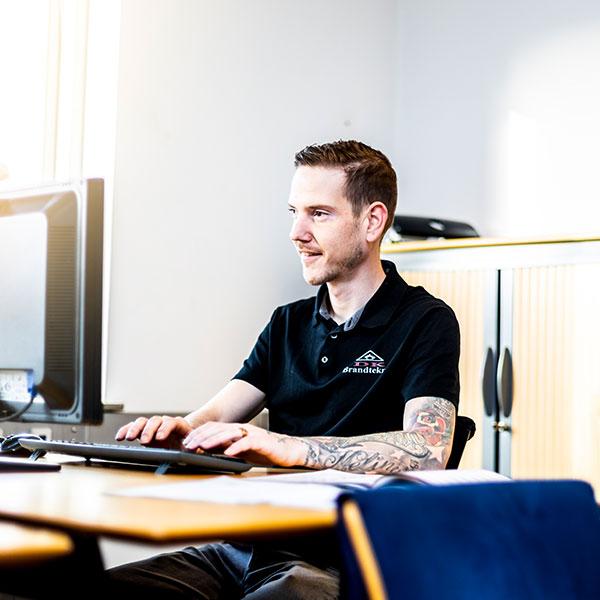 DK Brandteknik medarbejder portræt